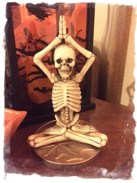 yoga-skeleton